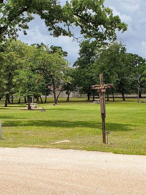 9 Fern Drive, Hempstead, TX 77445 (MLS #82320472) :: The Parodi Team at Realty Associates
