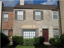 9901 Sharpcrest Street L8, Houston, TX 77036 (MLS #82432367) :: Team Parodi at Realty Associates