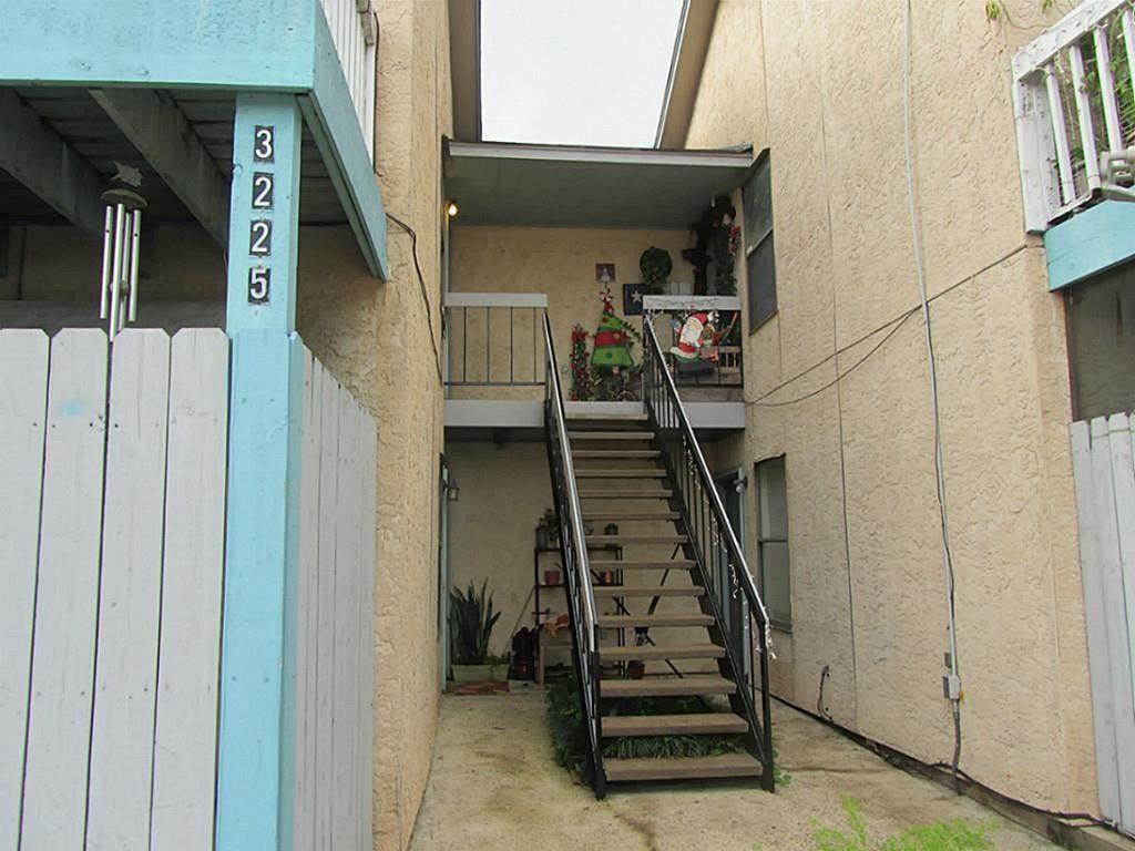 3225 Hirschfield Road - Photo 1