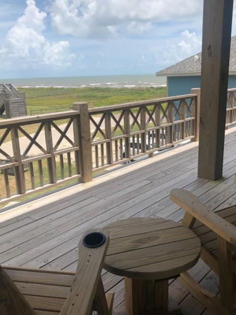 957 Sailfish, Crystal Beach, TX 77650 (MLS #82746631) :: Fairwater Westmont Real Estate