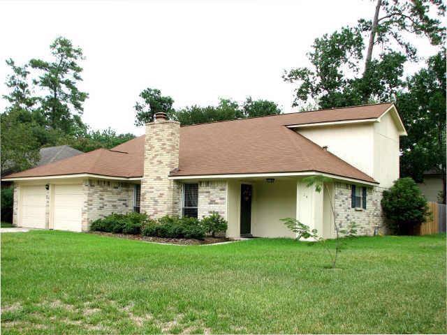 24 Rockfern Road, The Woodlands, TX 77380 (MLS #82792072) :: The Bly Team