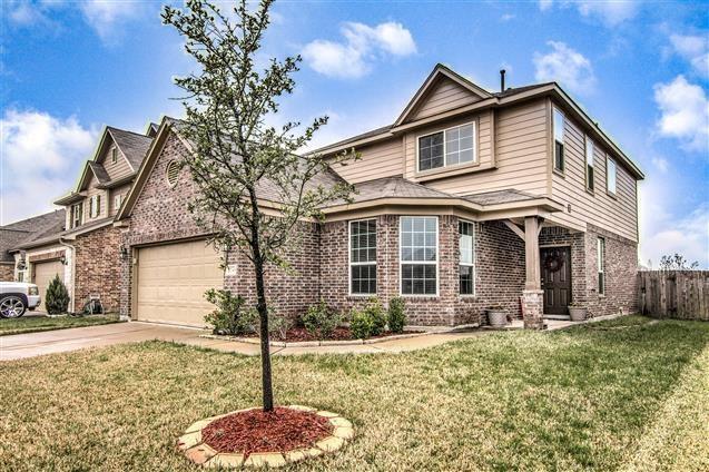 2543 Tucker Creek Drive, Fresno, TX 77545 (MLS #83243223) :: Fairwater Westmont Real Estate