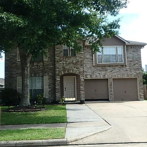 619 Oak Berry Drive, Kemah, TX 77565 (MLS #8325448) :: The SOLD by George Team