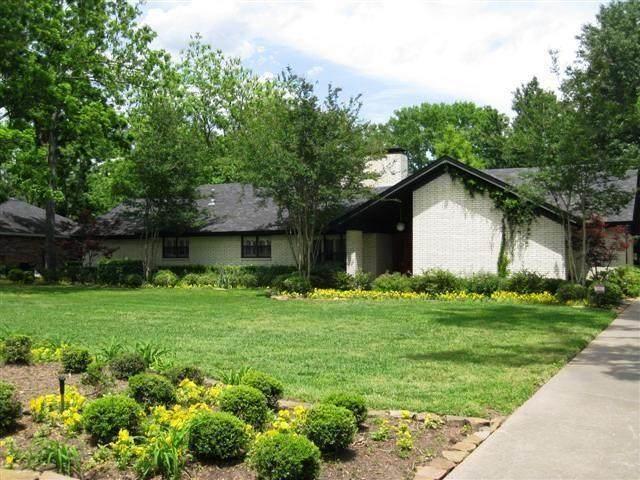 134 S Grace Street, Crockett, TX 75835 (MLS #83636243) :: The Home Branch
