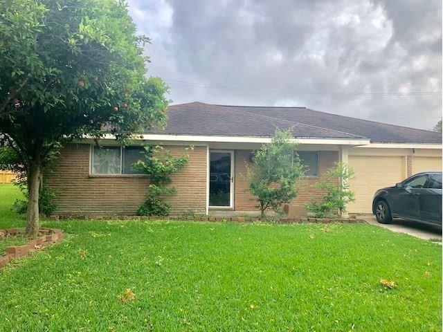 2421 15th Avenue N, Texas City, TX 77590 (MLS #83652172) :: Texas Home Shop Realty