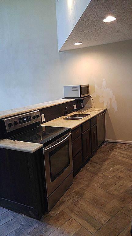 24460 Latrobe, Huntsville, TX 77320 (MLS #83718814) :: Texas Home Shop Realty