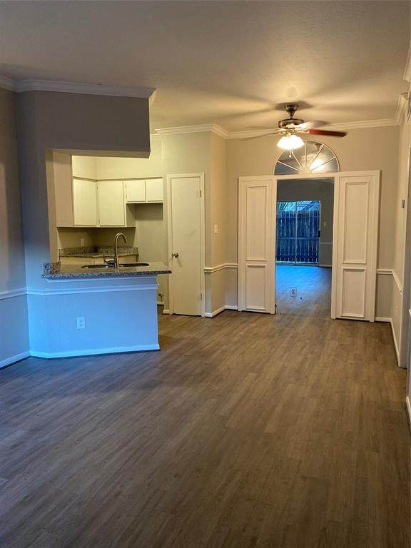 12380 Sandpiper Drive #407, Houston, TX 77035 (MLS #83960636) :: The SOLD by George Team