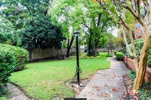 2400 Julian Street #16, Houston, TX 77009 (MLS #83962492) :: Krueger Real Estate