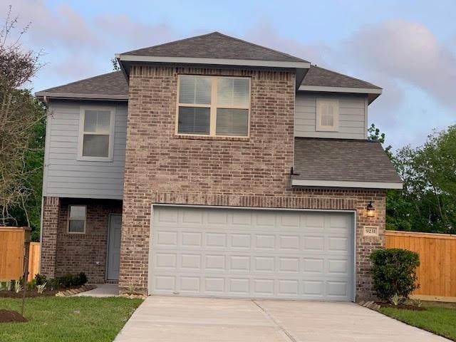 21815 Black Owl Drive, Humble, TX 77338 (MLS #84054255) :: Guevara Backman