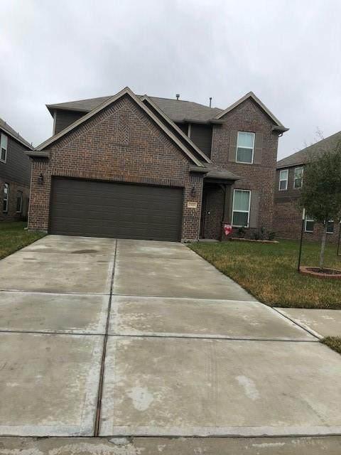 2519 Oakleaf Ash Lane, Fresno, TX 77545 (MLS #84158510) :: Area Pro Group Real Estate, LLC