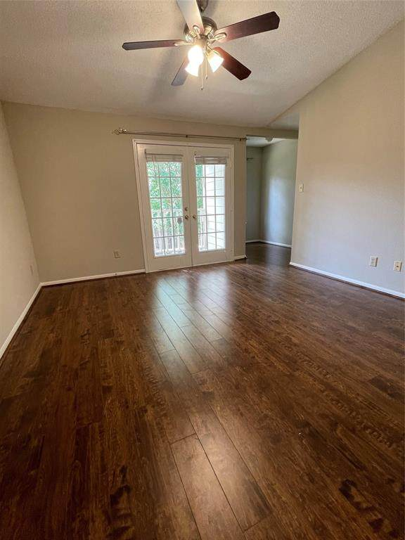 7575 Cambridge Street #3202, Houston, TX 77054 (MLS #84222061) :: My BCS Home Real Estate Group