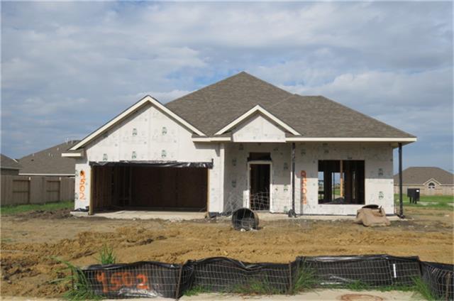 9502 Wincrest Drive, Mont Belvieu, TX 77523 (MLS #84321142) :: NewHomePrograms.com LLC