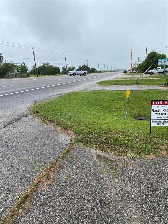 4716 Highway 6, Hitchcock, TX 77563 (MLS #84477450) :: Michele Harmon Team