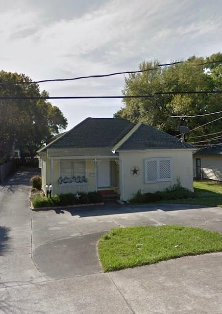 5030 Monroe Street, Groves, TX 77619 (MLS #84553200) :: Texas Home Shop Realty