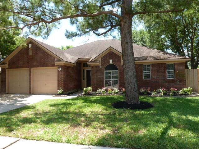 15606 Heritage Falls Drive, Friendswood, TX 77546 (MLS #84557328) :: Texas Home Shop Realty
