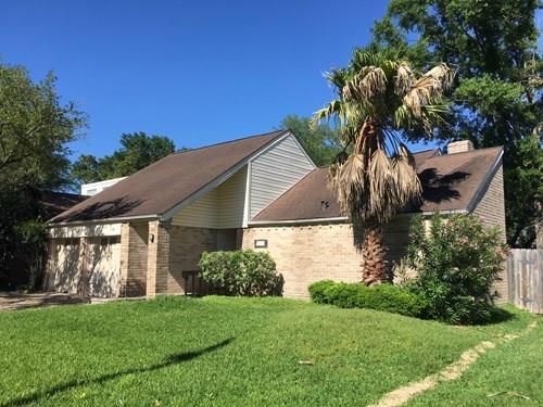 2027 Gray Falls Drive, Houston, TX 77077 (MLS #85113306) :: Christy Buck Team