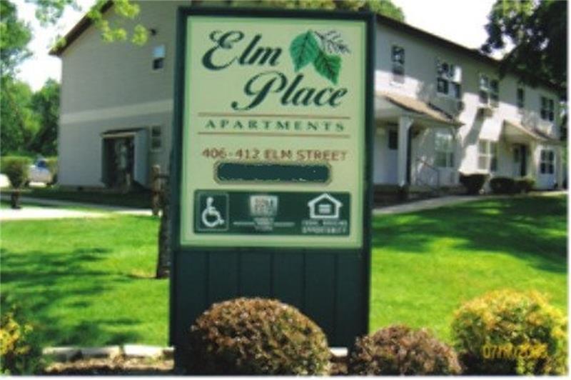 406 E Elm Street - Photo 1