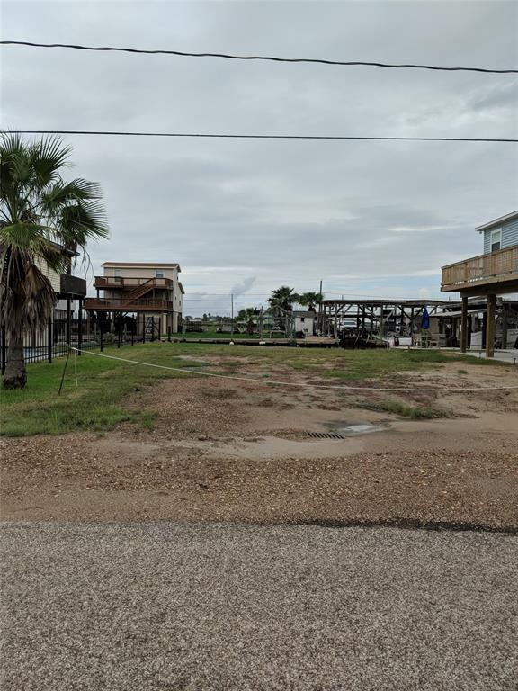 000 Pompano Lane, Surfside Beach, TX 77541 (MLS #86564829) :: Texas Home Shop Realty