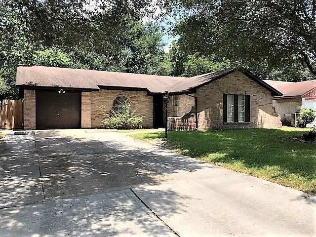 7226 Yellow Pine Drive, Houston, TX 77040 (MLS #86763386) :: Giorgi Real Estate Group