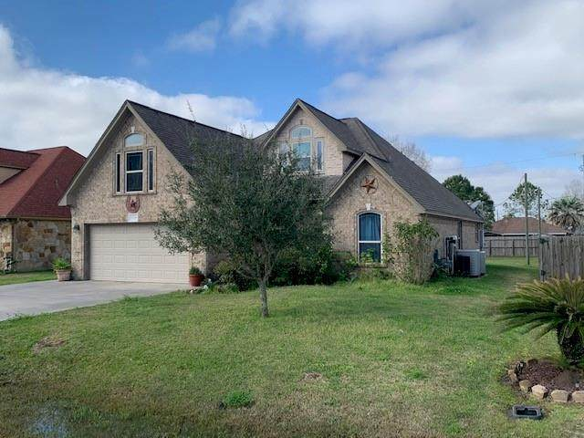 5114 2nd Street, Danbury, TX 77534 (MLS #87128023) :: Michele Harmon Team
