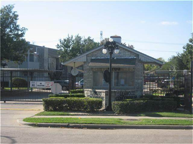 9700 Leawood Boulevard 8/811, Houston, TX 77099 (MLS #87171162) :: Michele Harmon Team
