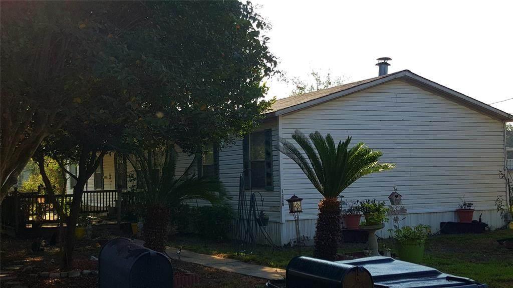 1607 Austin Street - Photo 1