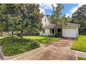 5728 Community Drive, Houston, TX 77005 (MLS #87935640) :: The SOLD by George Team