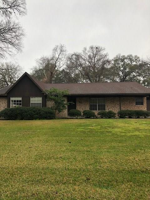 57 Poplar Court, Lake Jackson, TX 77566 (MLS #88046892) :: The Bly Team