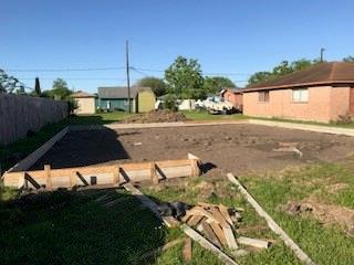 1611 N Avenue R, Freeport, TX 77414 (MLS #88312510) :: Texas Home Shop Realty