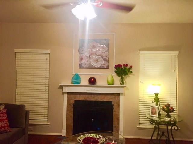 17563 Red Oak Drive #7563, Houston, TX 77090 (MLS #89103978) :: Caskey Realty