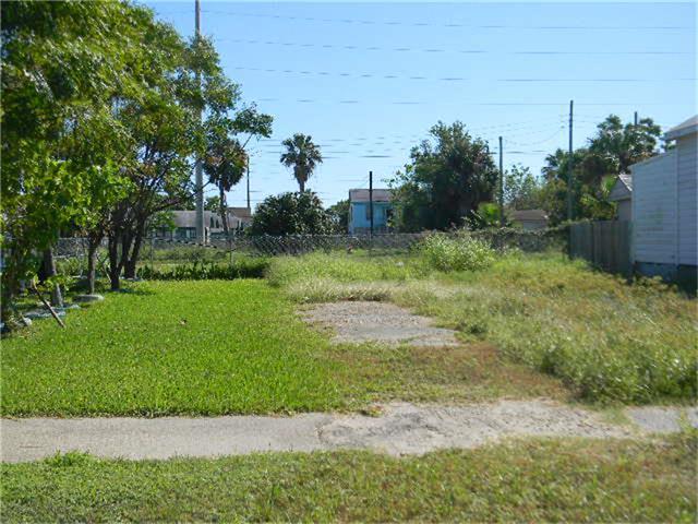 3719 Church, Galveston, TX 77550 (MLS #89353451) :: Carrington Real Estate Services
