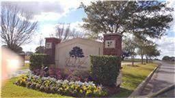 1526 Lakeland Circle, Rosharon, TX 77583 (MLS #89537862) :: Green Residential