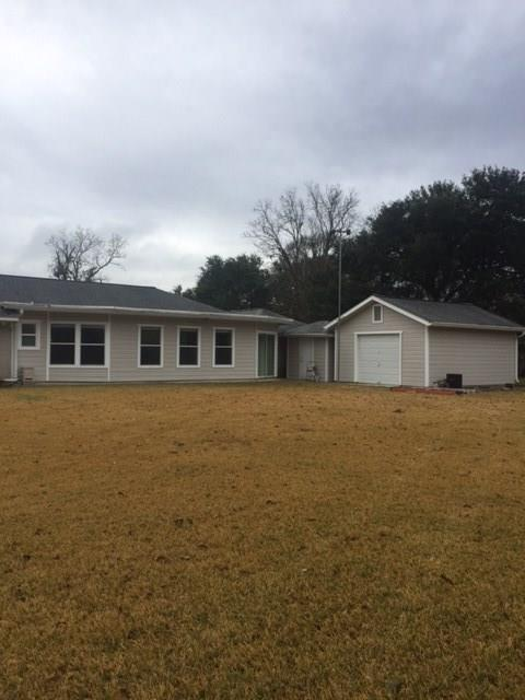 330 Westwood/Cr 614 Road, Angleton, TX 77515 (MLS #8955637) :: The Home Branch