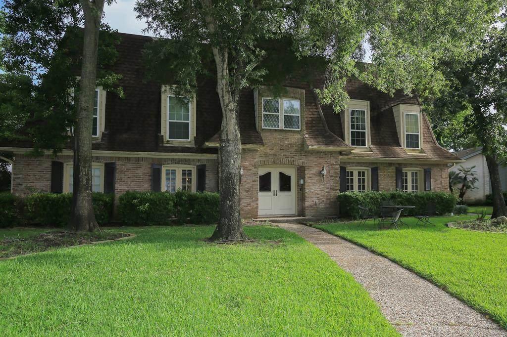1031 Villa Court Drive - Photo 1