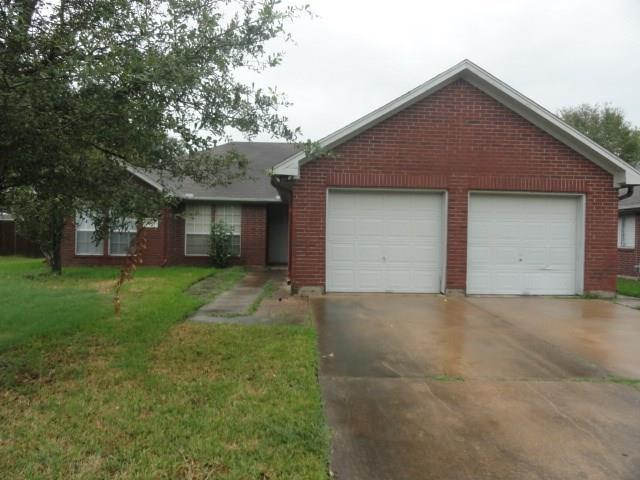 5505 Chisholm Trl, Dickinson, TX 77539 (MLS #90226679) :: The SOLD by George Team