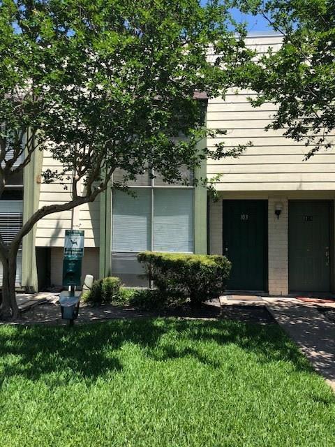 5929 Queensloch Drive #103, Houston, TX 77096 (MLS #904092) :: Magnolia Realty