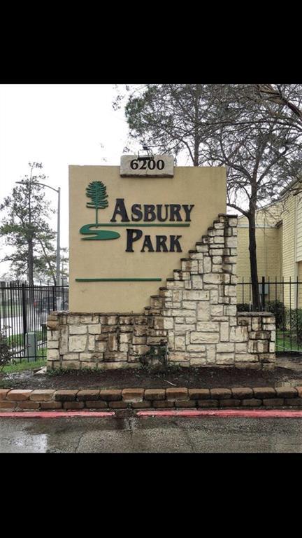6200 W Tidwell Road #1205, Houston, TX 77092 (MLS #90581045) :: Team Parodi at Realty Associates