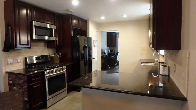 1722 Kemah Oaks Drive, Kemah, TX 77565 (MLS #91100861) :: Ellison Real Estate Team
