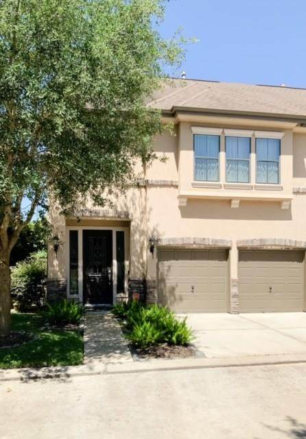 2930 Royal Oaks Crest, Houston, TX 77082 (MLS #91157742) :: The SOLD by George Team