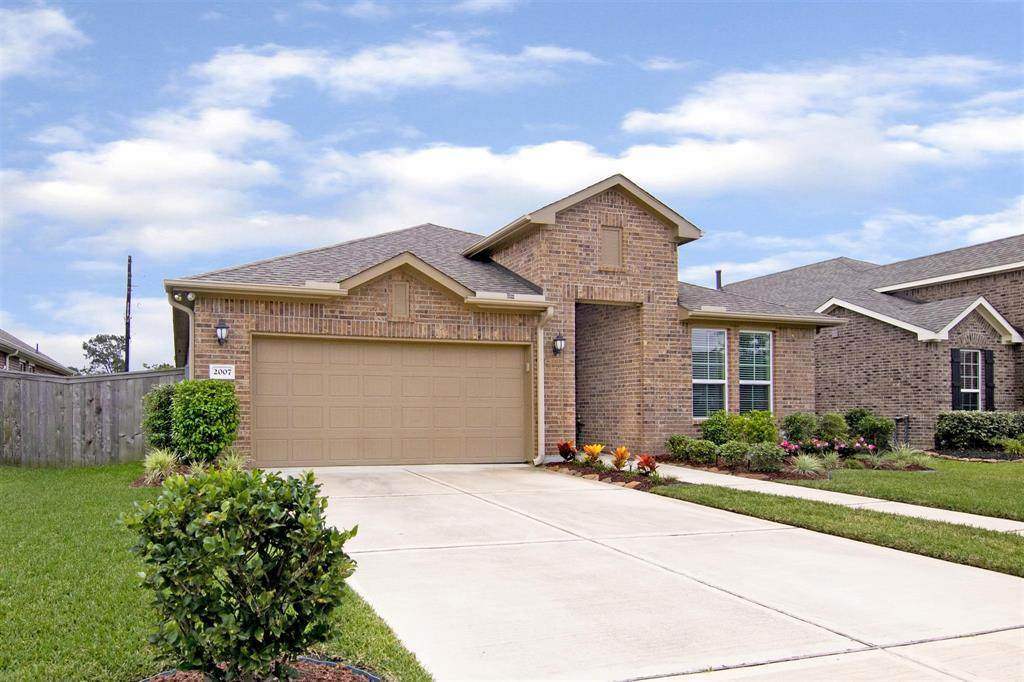 2007 Vineyard Creek Lane - Photo 1