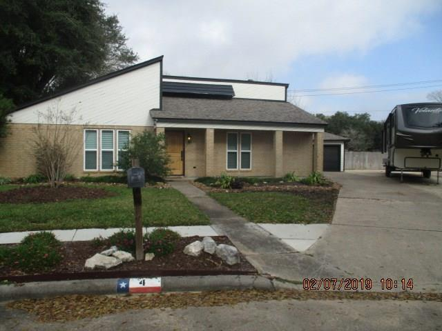 4 Hemlock Place, Angleton, TX 77515 (MLS #91259966) :: Texas Home Shop Realty
