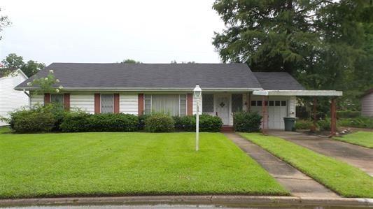 290 Joseph Street, Beaumont, TX 77705 (MLS #91375352) :: The Johnson Team
