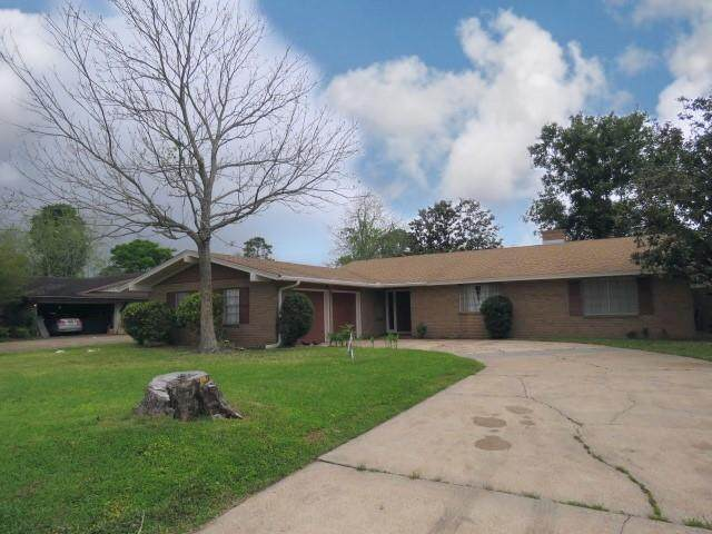 3200 Eugenia Lane, Groves, TX 77619 (MLS #9138132) :: The Property Guys