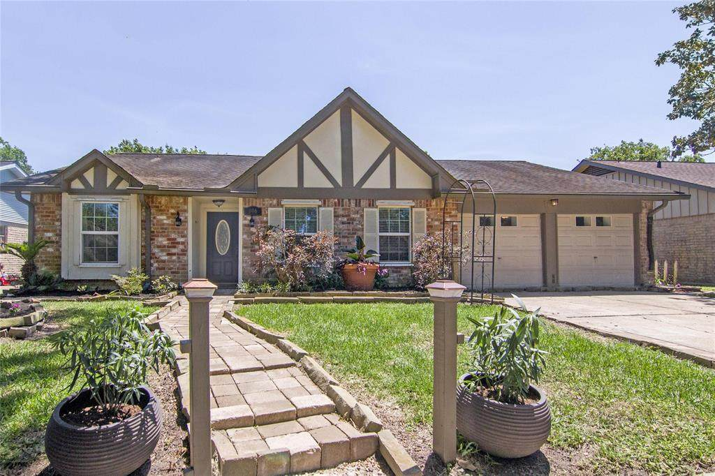806 Voyager Drive - Photo 1