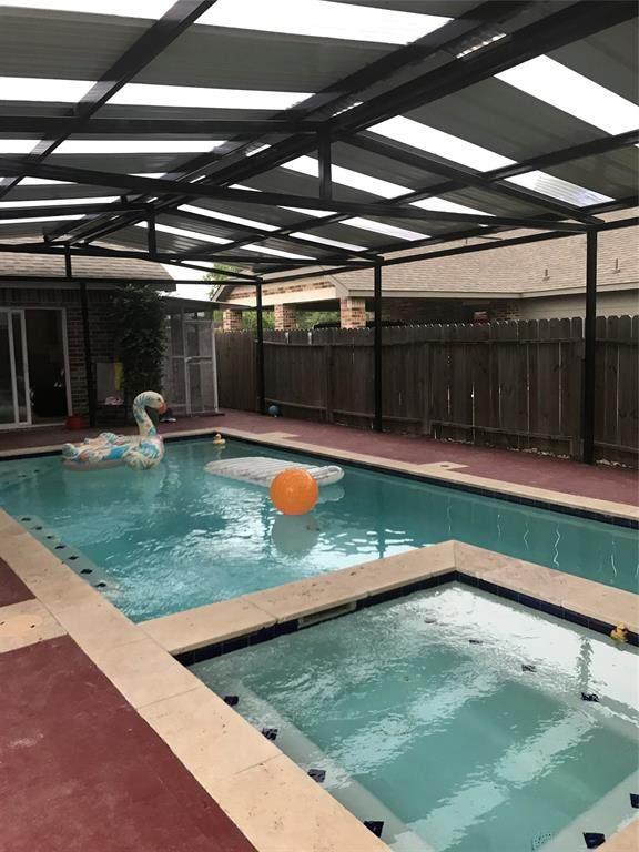 6412 Grapevine Street, Houston, TX 77085 (MLS #91485802) :: Phyllis Foster Real Estate