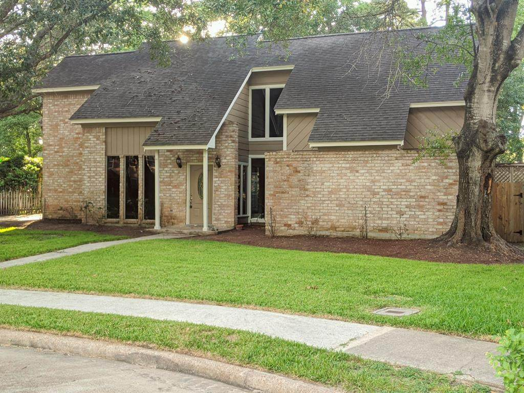 12510 Lakecrest Circle - Photo 1