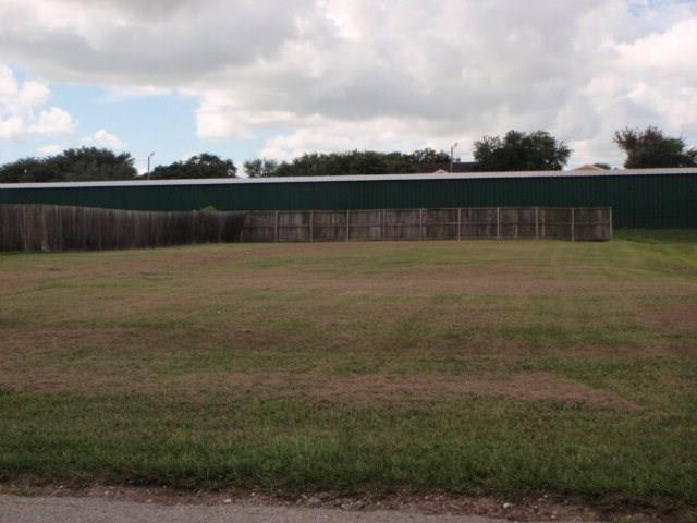 LOT 2-3 Spruce Street, Bay City, TX 77414 (MLS #923229) :: Texas Home Shop Realty