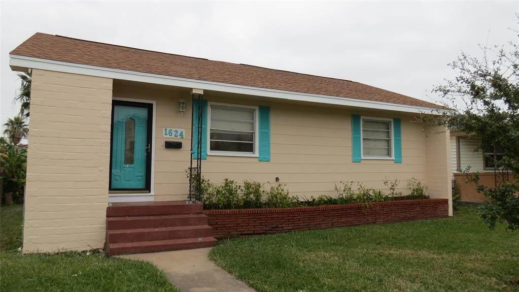 1624 Bayou Homes Dr - Photo 1