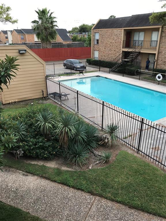 3303 W Greenridge Drive #34, Houston, TX 77057 (MLS #92419387) :: Giorgi Real Estate Group