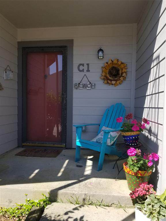 3220 69th Street C1, Galveston, TX 77551 (MLS #92499058) :: Rachel Lee Realtor